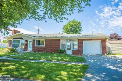 Port Huron Single Family Home For Sale: 1225 22nd