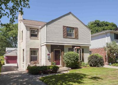 Grosse Pointe Farms Single Family Home For Sale: 429 McKinley