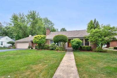 Grosse Pointe Woods Single Family Home For Sale: 1567 Sunningdale