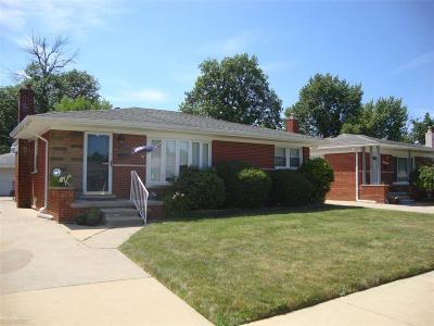 Fraser Single Family Home For Sale: 31455 Kelly