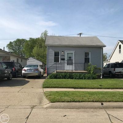 Roseville Single Family Home For Sale: 17343 Lowell