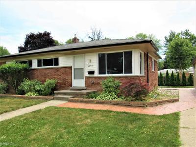 Clinton Township Single Family Home For Sale: 23110 Katzman