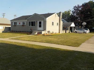 Saint Clair Shores Single Family Home For Sale: 22328 E 10 Mile Road