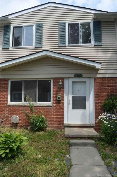 Roseville Condo/Townhouse For Sale: 25740 Cambridge