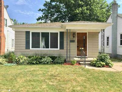 Grosse Pointe Woods Single Family Home For Sale: 2146 Ridgemont