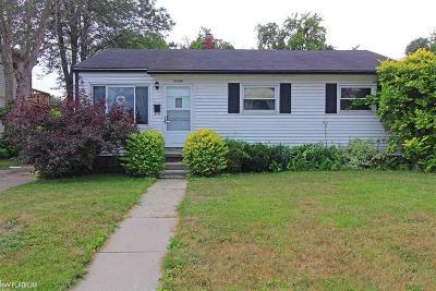 Saint Clair Shores Single Family Home For Sale: 22508 Stephens Street
