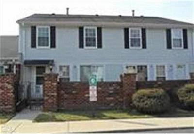 Clinton Township Condo/Townhouse For Sale: 39505 Old Dominion Dr