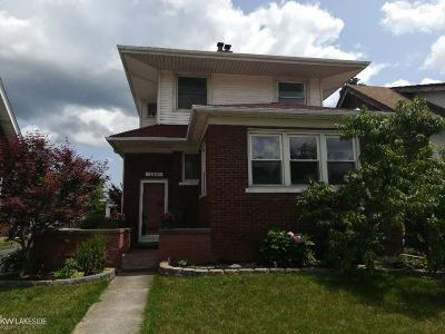 Mount Clemens Single Family Home For Sale: 260 Northbound Gratiot