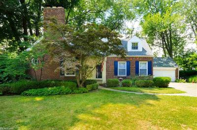Grosse Pointe Park Single Family Home For Sale: 1011 Cadieux