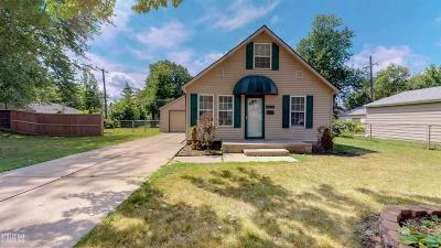 Saint Clair Shores Single Family Home For Sale: 21646 Rosedale