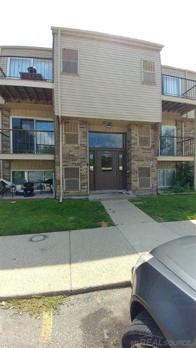 Clinton Township Condo/Townhouse For Sale: 17010 Clinton River