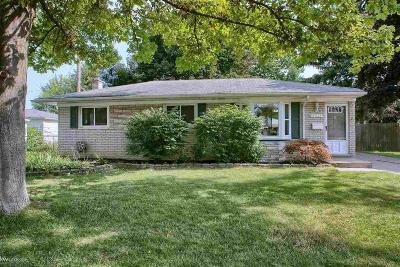 Sterling Heights Single Family Home For Sale: 39428 Fenmore Ct