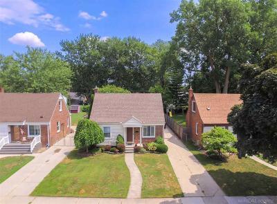 Royal Oak Single Family Home For Sale: 2952 N Alexander