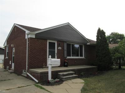 Saint Clair Shores Single Family Home For Sale: 21242 Bon Brae