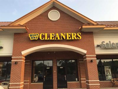 Shelby Twp Commercial Lease For Lease: 2266 Auburn Rd