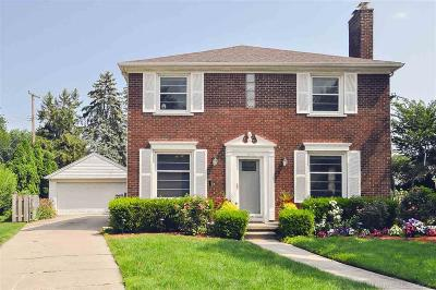 Grosse Pointe Farms Single Family Home For Sale: 400 Roland Court