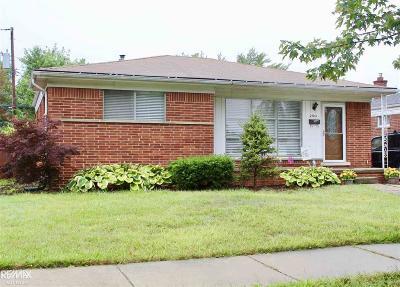 Saint Clair Shores Single Family Home For Sale: 27213 Princeton