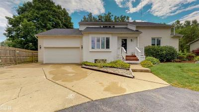 Shelby Twp Single Family Home For Sale: 8332 E Pearson