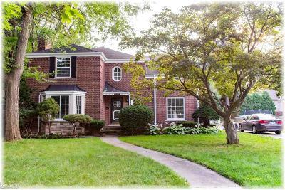 Grosse Pointe Park Single Family Home For Sale: 803 Pemberton
