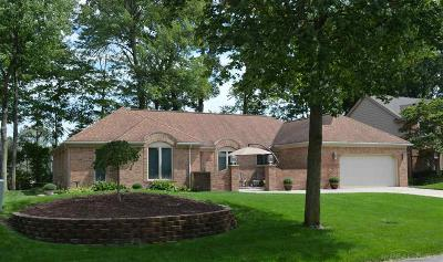 Shelby Twp Single Family Home For Sale: 53248 Robinhood Dr
