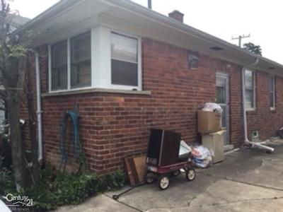 Oak Park Single Family Home For Sale: 23821 Morton