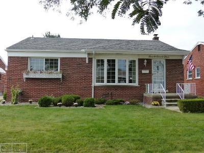 Saint Clair Shores Single Family Home For Sale: 20204 Gaukler