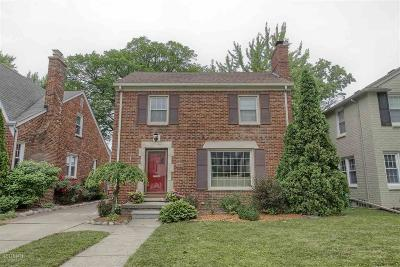 Grosse Pointe Woods Single Family Home For Sale: 1608 Hampton