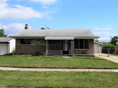 Fraser Single Family Home For Sale: 17479 Hans Dr