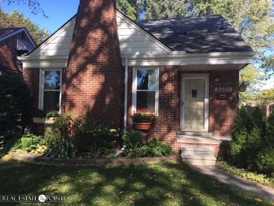 Grosse Pointe Single Family Home For Sale: 2352 Allard