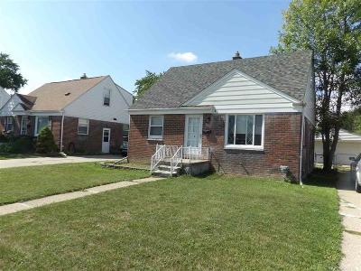 Roseville Single Family Home For Sale: 25183 Mackinac