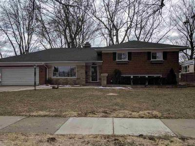 Saint Clair Shores Single Family Home For Sale: 22900 Colony St.