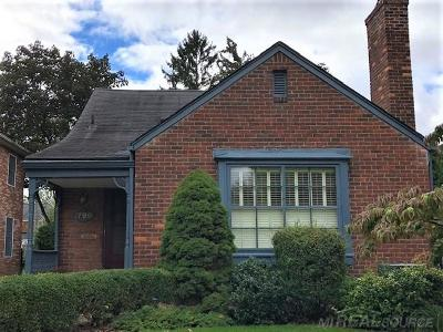 Grosse Pointe Woods Single Family Home For Sale: 1799 Manchester Blvd
