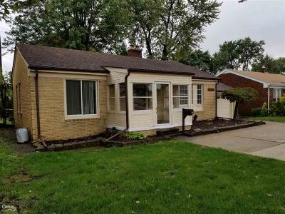 Saint Clair Shores Single Family Home For Sale: 20600 11 Mile