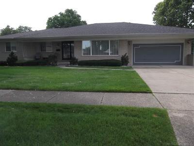Warren Single Family Home For Sale: 32139 Desmond Dr