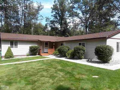 Single Family Home For Sale: 6204 Larch
