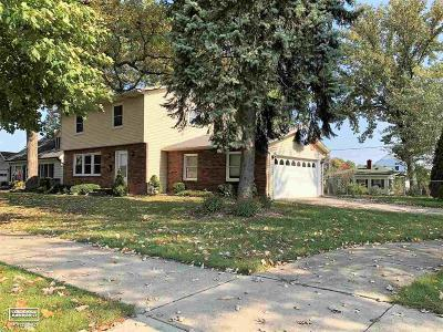 Marysville  Single Family Home For Sale: 1095 Indiana Ave