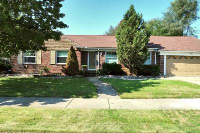 Grosse Pointe Woods Single Family Home For Sale: 19935 E Emory