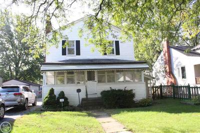 Center Line Single Family Home For Sale: 7570 Stephens