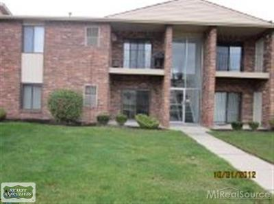 Sterling Heights Condo/Townhouse For Sale: 15032 Island Drive