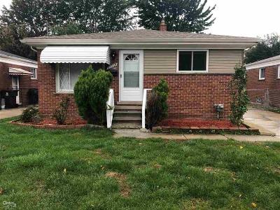 Center Line Single Family Home For Sale: 25209 Lorraine