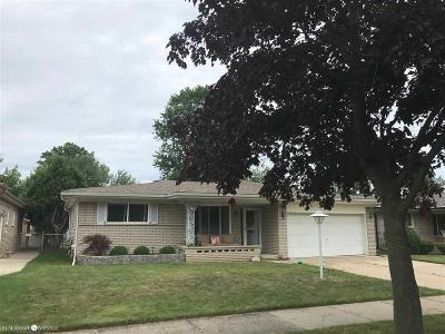 Saint Clair Shores Single Family Home For Sale: 20413 Mauer