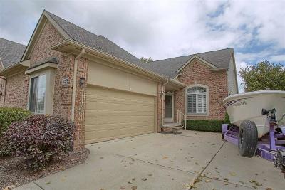 Clinton Township Condo/Townhouse For Sale: 40575 Saint Louis Dr