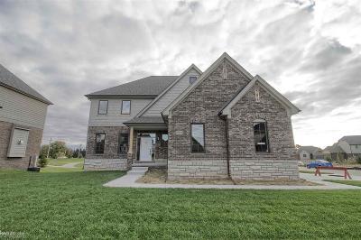 Washington Single Family Home For Sale: 60938 Stonecrest Drive