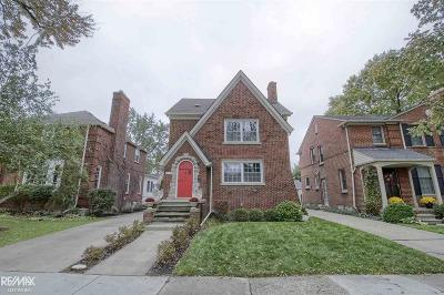 Grosse Pointe Farms Single Family Home For Sale: 459 McKinley
