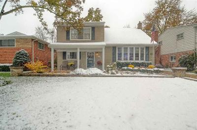 Royal Oak Single Family Home For Sale: 3019 Clawson Ave