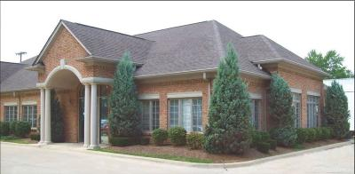 Commercial Lease For Lease: 42560 Van Dyke
