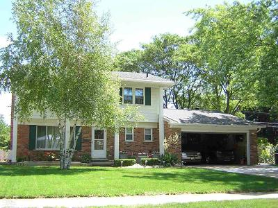 Sterling Heights MI Single Family Home For Sale: $219,900