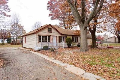 Macomb Single Family Home For Sale: 30835 Park