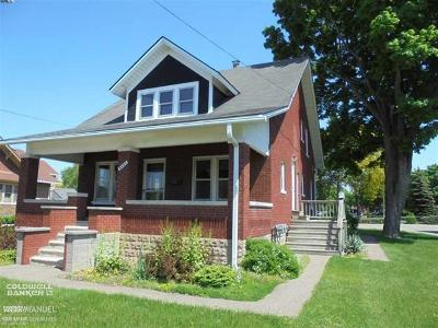 Utica Multi Family Home For Sale: 8441 Canal