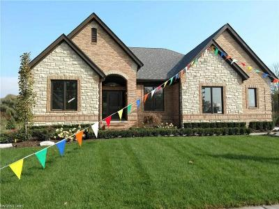 Washington Twp Single Family Home For Sale: 60882 Forest Creek Dr.
